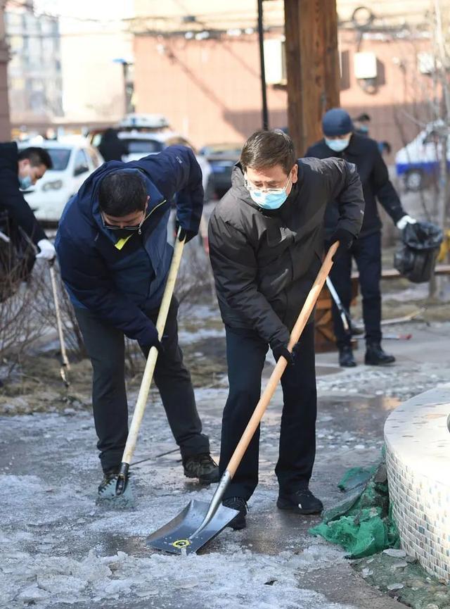 """我市""""环境清洁周""""活动掀起新高潮"""