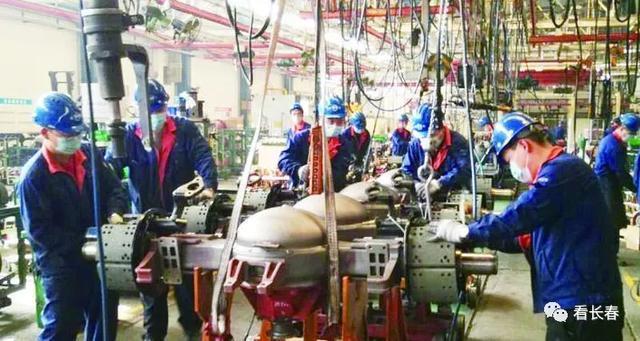 东北工业集团逆势上扬