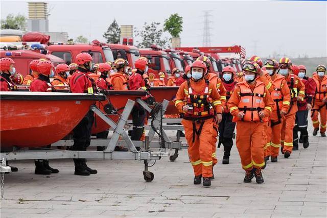 山东省消防救援总队进行我省抗洪抢险援救运动队等级分类带动演习