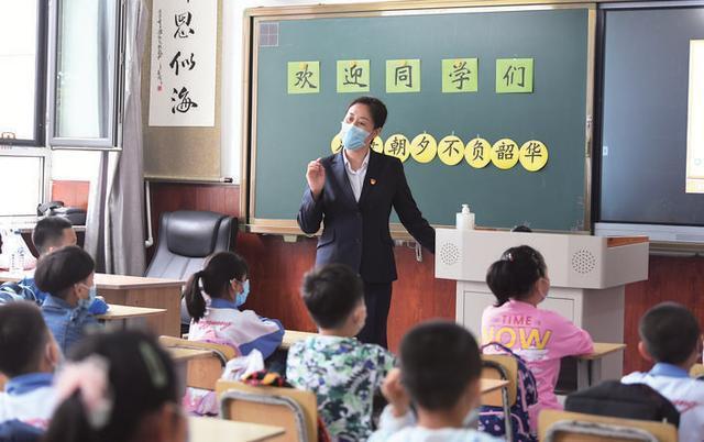 多么的幸福的回归 我区中小学校所有井然有序恢复过来课堂秩序
