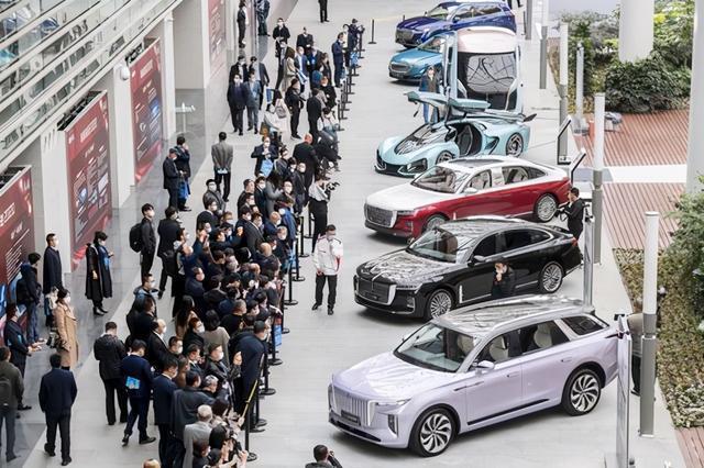 2020中德汽车会议部分嘉宾参观一汽集团 第1张