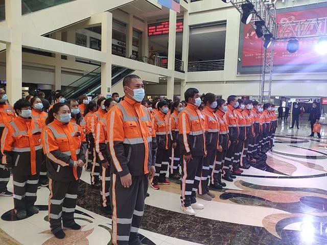 环卫工人节:长春14000名环卫工人接受节日慰问 第1张