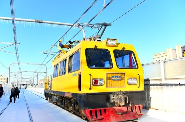 轨道交通3、4、8号线清冰工作继续进行。 第14张