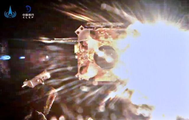 嫦娥五号升空器实现中国首次地外天体起飞。 第6张