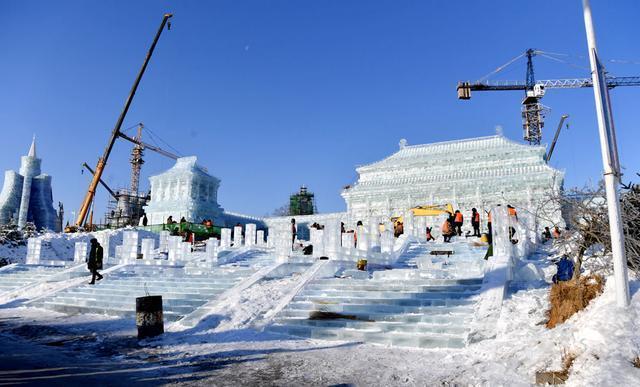 """张志军考察城市冰雪经济:把""""冷资源""""变成""""热产业"""",实现冰雪产业优质发展。 第1张"""