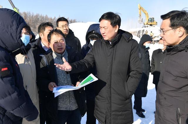 """张志军考察城市冰雪经济:把""""冷资源""""变成""""热产业"""",实现冰雪产业优质发展。 第2张"""
