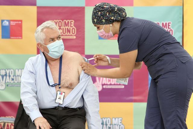 智利总统和卫生部长在中国接种了新冠肺炎疫苗。 第2张